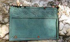 ralph waldo emerson grave