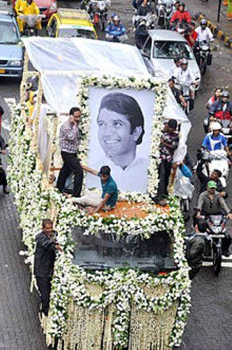 rajesh khanna funeral