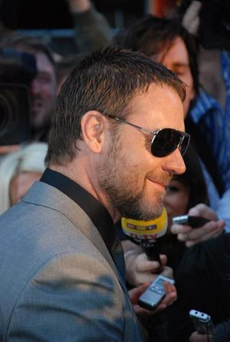 Facts about Russell Crowe
